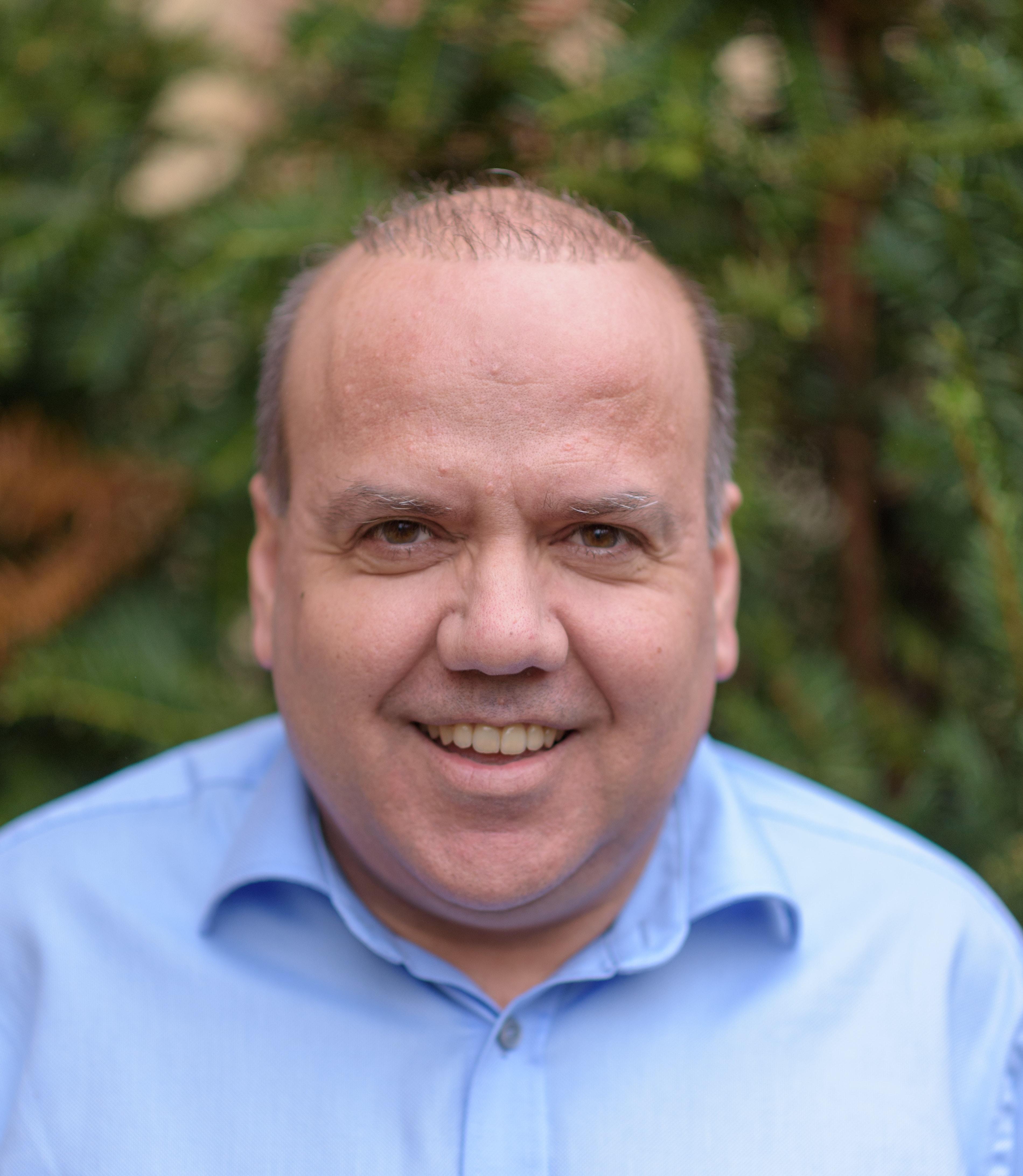 Prof Yoryos Lyratzopoulos