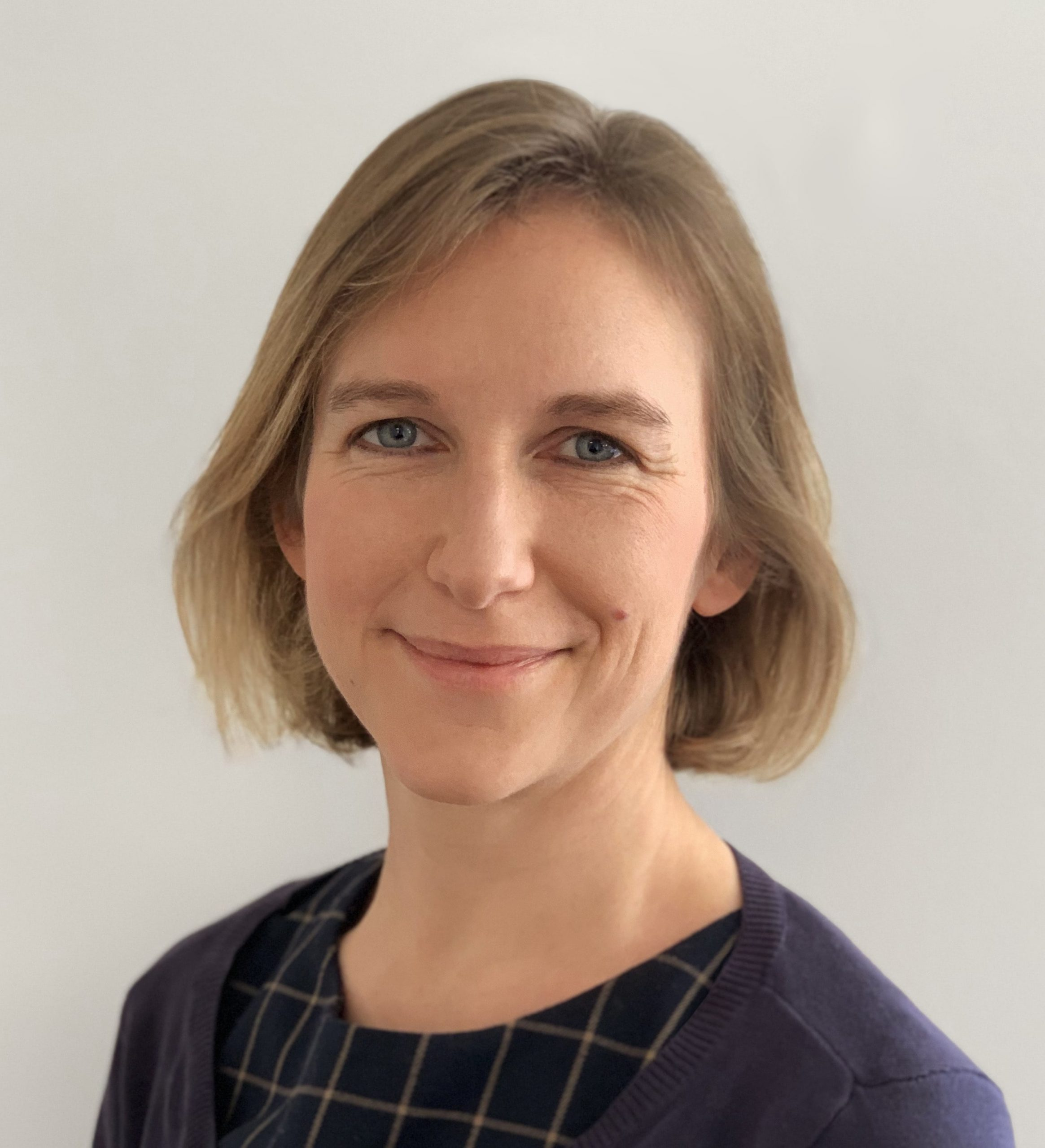 Dr Suzanne Scott