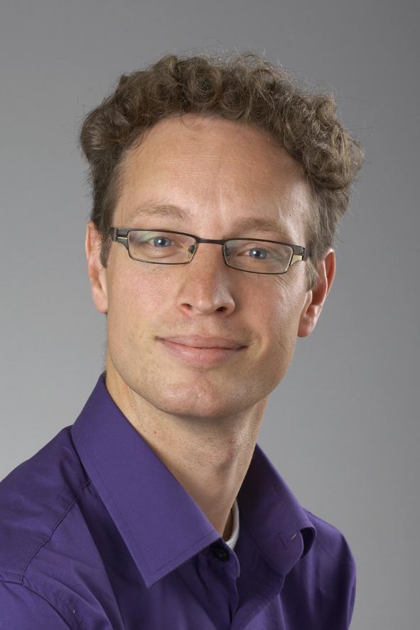 Dr Sjoerd Elias
